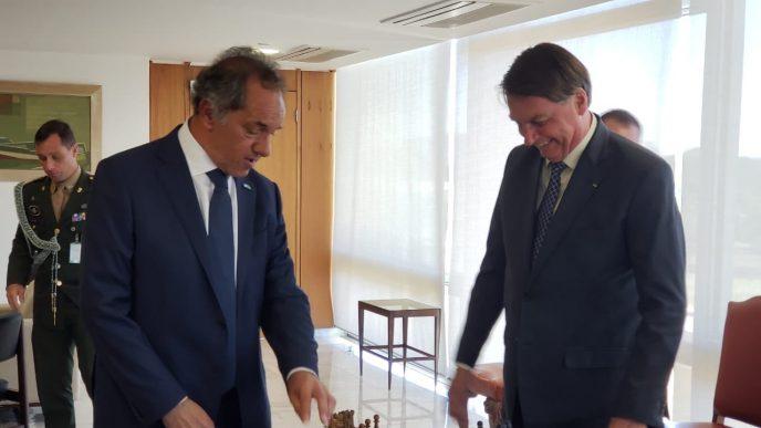 Scioli junto a Bolsonaro.