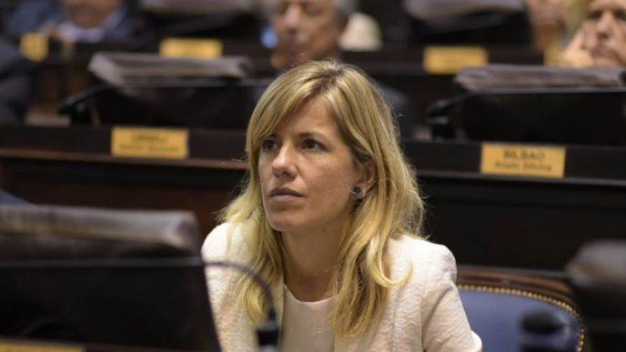 Laura Aprile.