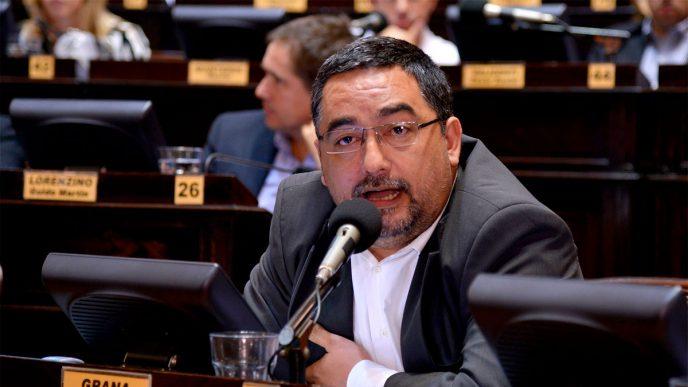 Adrián Grana