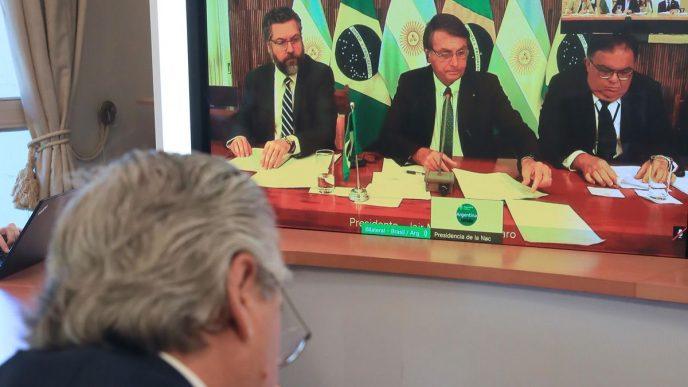 Fernández en videoconferencia con Bolsonaro.