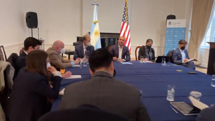 Guzmán en diálogo con el FMI.