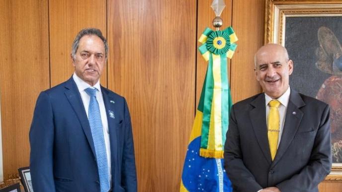 Scioli con el Jefe de Gabinete del gobierno brasilero.